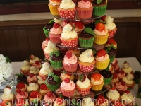 Mouthwatering Summer Wedding Cupcakes