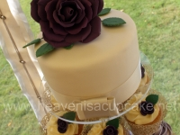 Top Tier Vanilla Sponge with Fullsize Rose