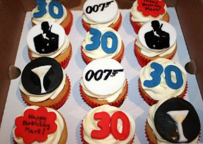 marks-30th-birthday-cupcakes3