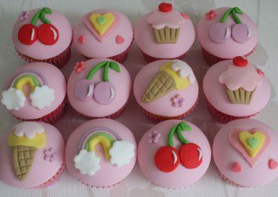 Childrens bespoke cupcakes